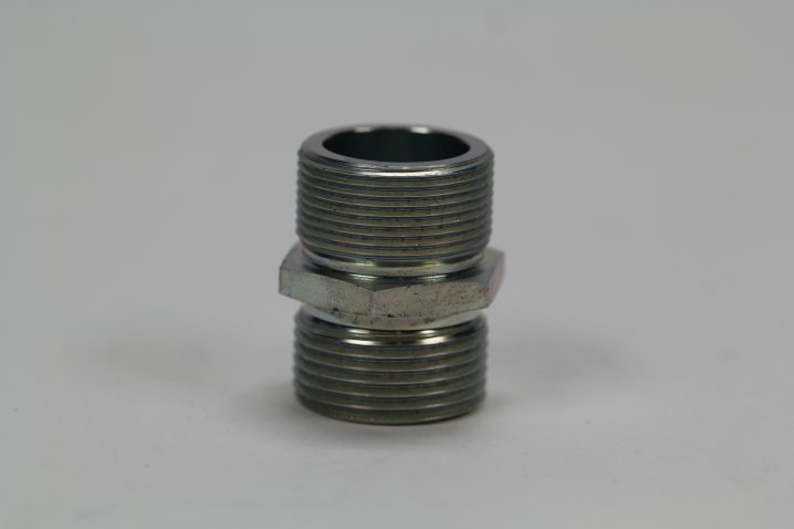 21 030 15 141 Doppelnippel M30x2 / M30x1,5